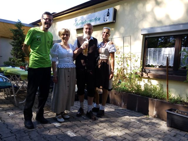 Links im Bild unser Clubhauswirt Karim Elrazouki zu Beginn der Veranstaltung
